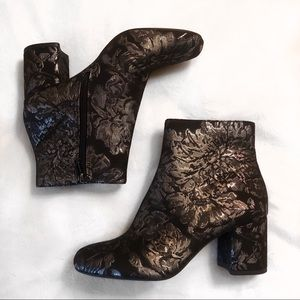 Jessica Simpson Ruella Block Heeled Booties